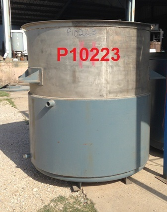 780 GALLON 1/2 JKTD STAINLESS STEEL BATCH TAN